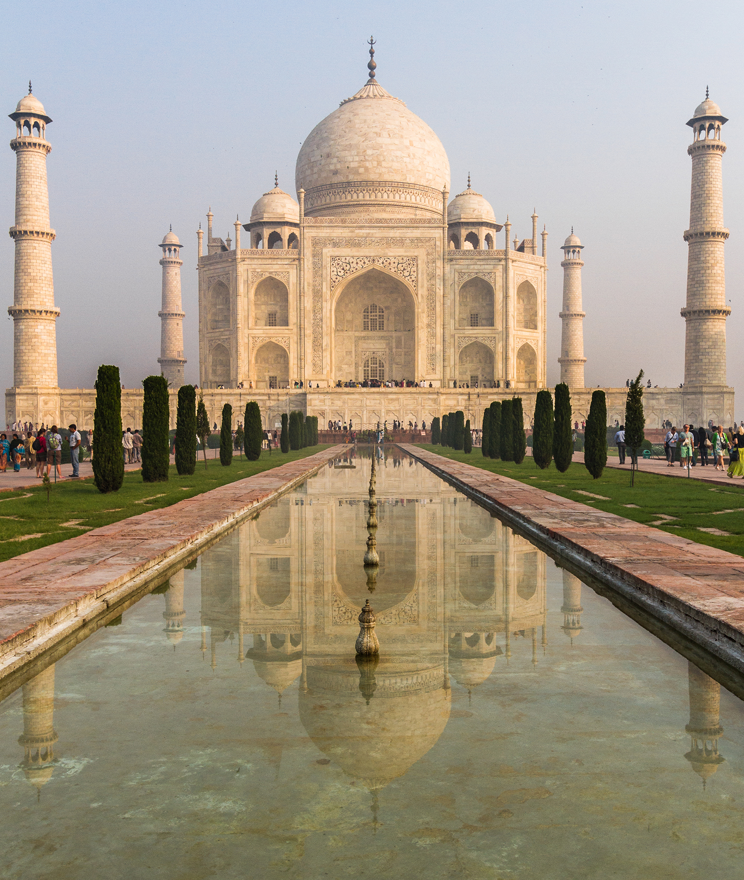 The Taj Mahal has classic rules for leading lines